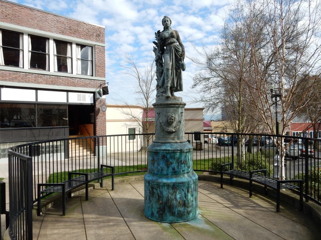 Sarah Bernhardt Statue, Tacoma, WA