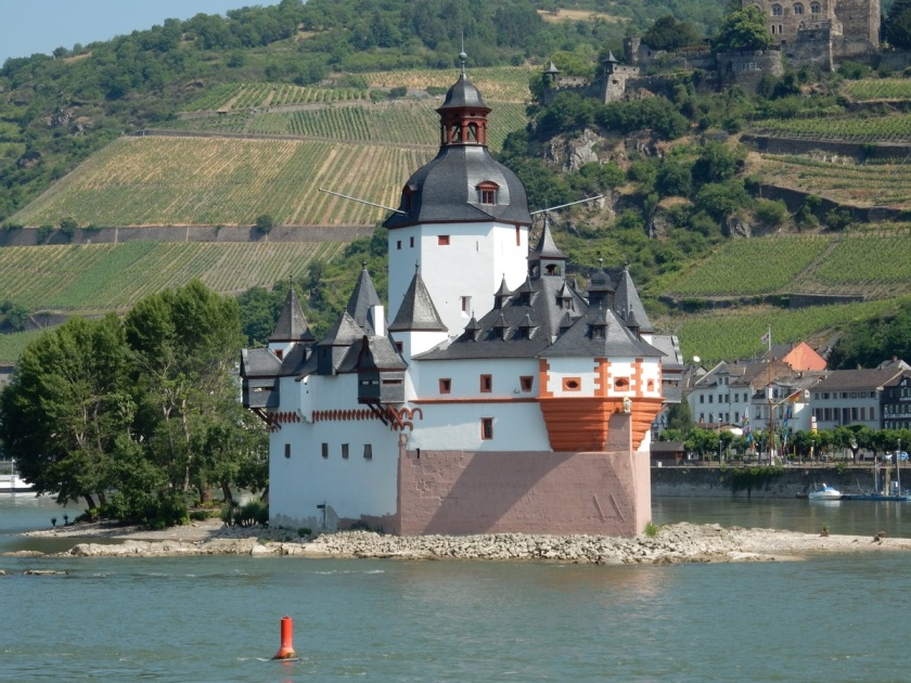 Pfalzgrafenstein Castle, Rhine River