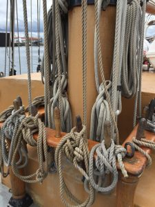 ropes around mast