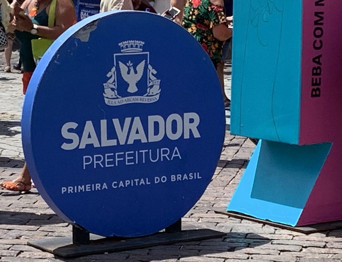Salvador sign