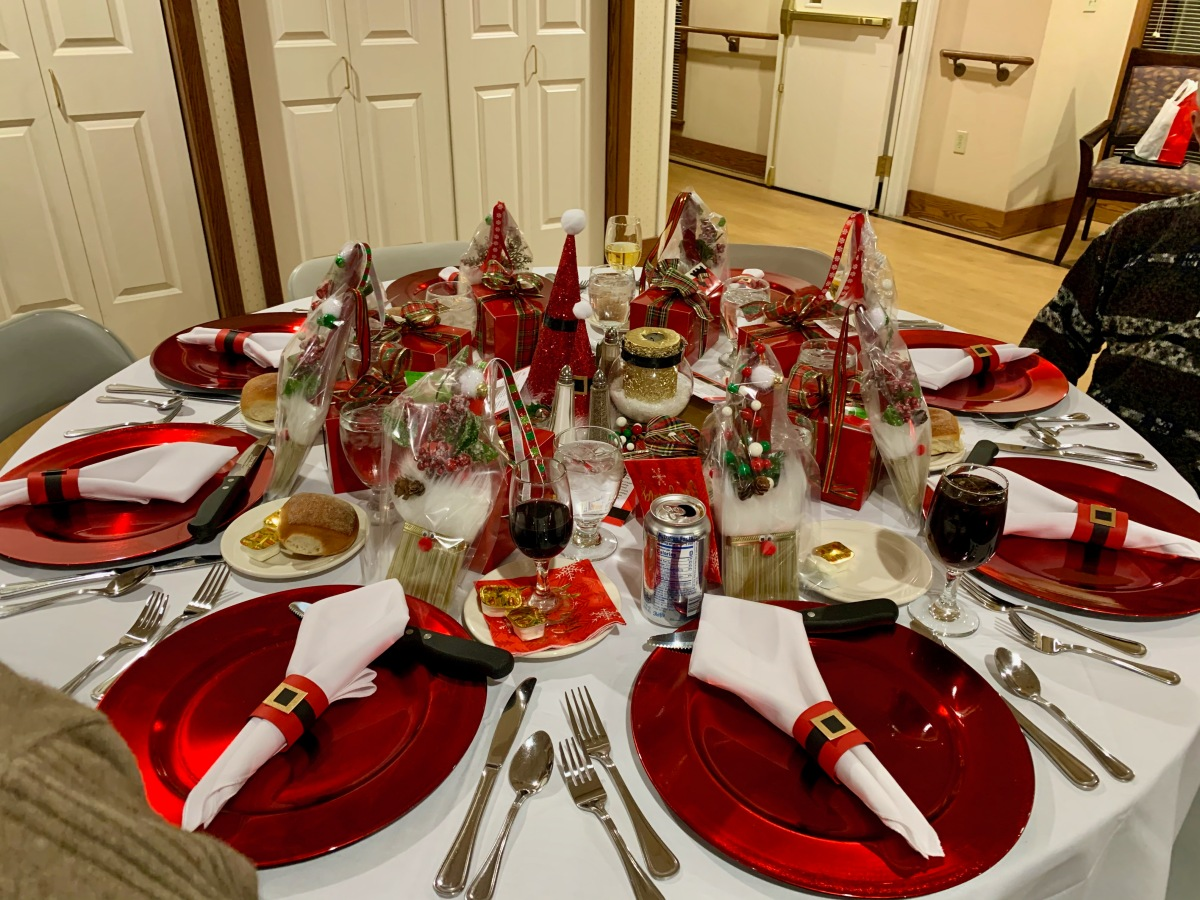 table with fancy holiday decorations