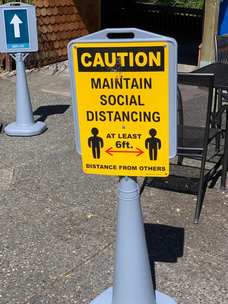 sign: maintain social distancing